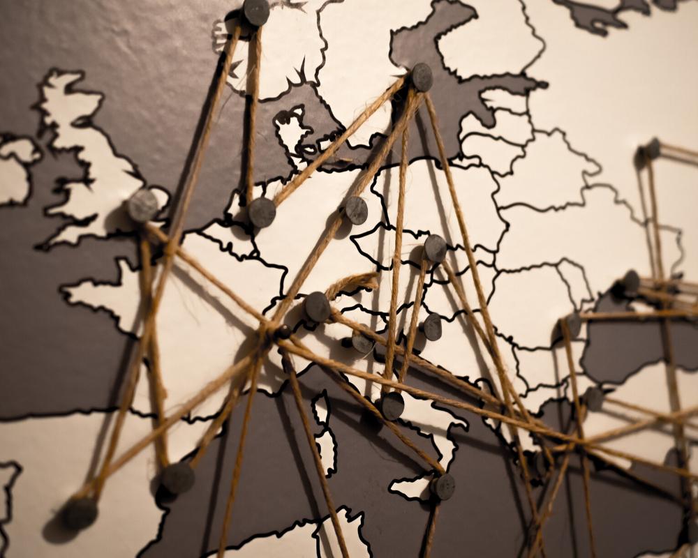पीयर टू पीयर (P2P) नेटवर्क कैसे काम करती है (How peer-to-peer networks work)